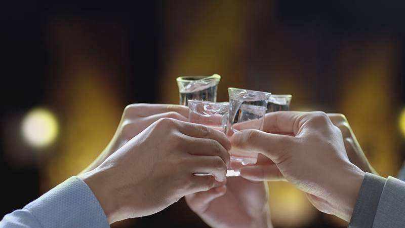 Drinking V.I.P Jiu 8 Neat